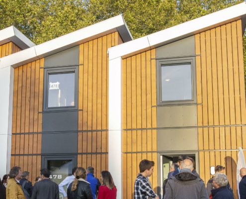Opening tijdelijke woningen bij StiVAD-deelnemer Sayaz in Den Bosch